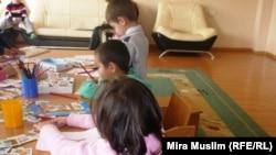"""Дети, зараженные ВИЧ, в центре """"Мать и ребенок"""". Шымкент, 30 ноября 2010 года."""