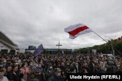 Збор подпісаў каля Камароўскага рынку ў Менску 31 траўня 2020 году