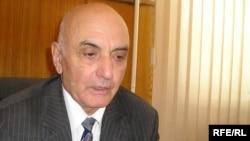 Академик Сұлтан Оздаев отбасымен бірге Қазақстанға депортацияланғанда небәрі 4 жаста болған екен. Алматы, 25 ақпан, 2009 жыл.