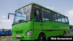 Миниавтобус Isuzu, произведенный на заводе в Самарканде.