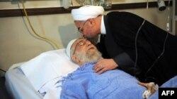 Presidenti i Iranit në vizitë te lideri suprem.
