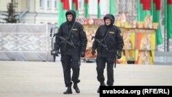 Ոստիկանները հերթապահում են Մինսկի փողոցներում, 24-ը մարտի, 2017 թ․
