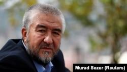 Нурулло Отаханов, өзбек диссидент жазушысы.
