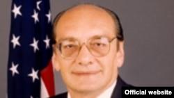Rudolf V. Perina, ambasadorul Statelor Unite