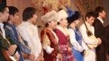 """""""Ел болам десең..."""" атты айтысқа қатысушылар. Алматы, 28 қараша 2013 жыл."""