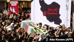Այսօր Իրանում հողին են հանձնում անցած շաբաթ օրը տեղի ունեցած ահաբեկչության զոհերին, Ահվազ, 24-ը սեպտեմբերի, 2018թ.