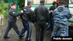 Один из рейдов российской милиции и Федеральной миграционной службы в Москве.
