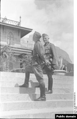 Alman askerleri Alupkada, 1942