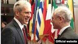 Belgium - Herman Van Rompuy, President of the European Union (R) welcome Boris Tadic, President of Serbia, Brussels, 25Nov2011.