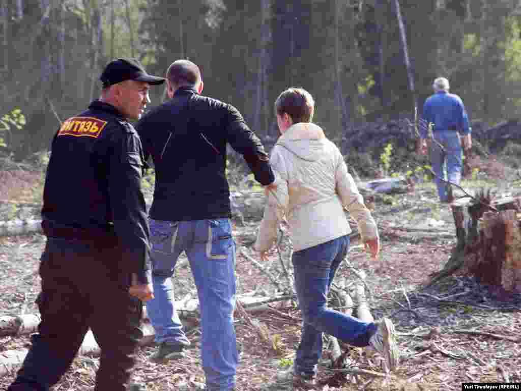 Охрана препятствовала проходу экологов на место вырубки