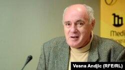Žarko Puhovski (na fotografiji, 24. siječnja 2014.): Pupovac je ocijenio da je u ovoj situaciji za njega razumno – a mislim da je i objektivno razumno – ponašati se prije svega kao državljanin Hrvatske