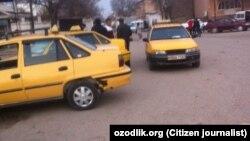 Ўзбекистондаги такси машиналари.