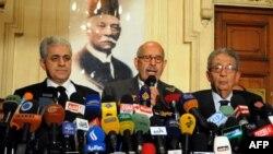 Египетските опозициски лидери, Амр Муса, Мохамед ел Барадеј и Хамдин Шабаху