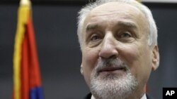 Српскиот обвинител за воени злосторства Владимир Вукчевиќ.