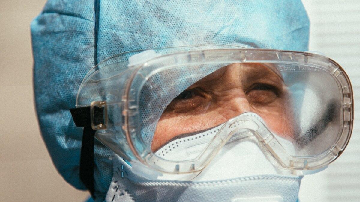 Прокуратура проверяет, законно ли уволили 47 медиков на Сумщине