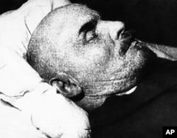 Vladimir Lenin on his deathbed