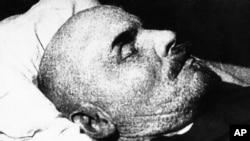 Vladimir Lenin ölü halda
