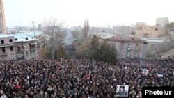 Armenia -- Thousands of opposition supporters demonstrate in Yerevan, 18Feb2011