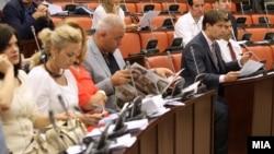Седница на Комисијата за транспорт, врски и екологија на која се дискутира за законите за медиуми.