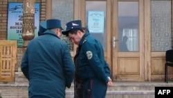 Ўзбек милиционерлари.