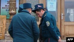 Сотрудники узбекской милиции, архивное фото.