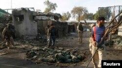 Forcat e sigurimit afgan në një hapësirë ku kishte ndodhur një sulm vetëvrasës
