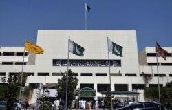 پاکستان: د پارلمان او صوبايي اسمبلیو ۲۷۲ غړي معطله شو