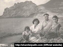 Шамиль Алядин с женой и дочерьми