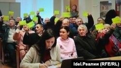Активисты поселков против застройки береговой зоны озера Кабан
