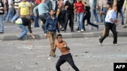 Мұхаммед Мурсидің жақтастары мен қарсыластарының қақтығысы. Александрия, Египет. 23 қараша 2012 жыл.
