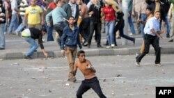 د ولسمشر محمد مرسې مخالفانو او ملاتړو د جمعې په ورځ په ټول مصر کي لاریونونه وکړل.