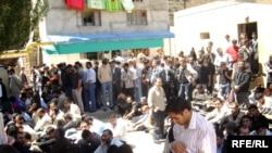 Avqust 17-də «Əbu Bəkr» məscidinə atılan əl qumbarasının partlaması nəticəsində iki nəfər hadisə yerində ölüb