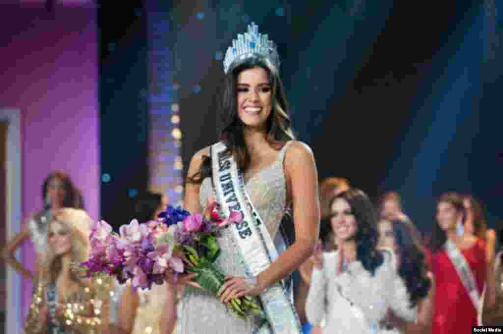 """Паулин Вега (Колумбия), победительница конкурса """"Мисс Вселенная"""""""