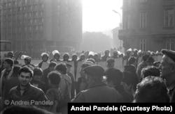 21 decembrie 1989, ora 14:00, baricade