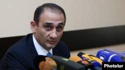 Armenia - Vartan Haruitunian, head of the State Revenue Committee, at a news conference in Yerevan, 11May2017.