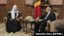 Patriarhul Chiril și președintele Moldovei Nicolae Timofti.