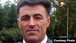 Леонид Дзапшба – фигура в абхазском обществе известная, хотя широкая известность к нему пришла сравнительно недавно, менее четырех лет назад, когда президент Сергей Багапш назначил его министром внутренних дел