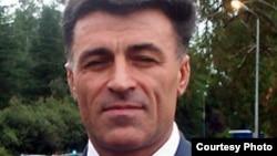 Леонид Дзапшба уже назначался главой МВД при президенте Багапше в сентябре 2010 года и был отправлен в отставку при президенте Анквабе в октябре 2011 года, практически сразу после инаугурации