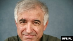 حسین آرین، کارشناس نظامی