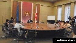 Оппозиция в Грузии опасается, что проект постановления о выводе российских миротворцев останется лишь на бумаге