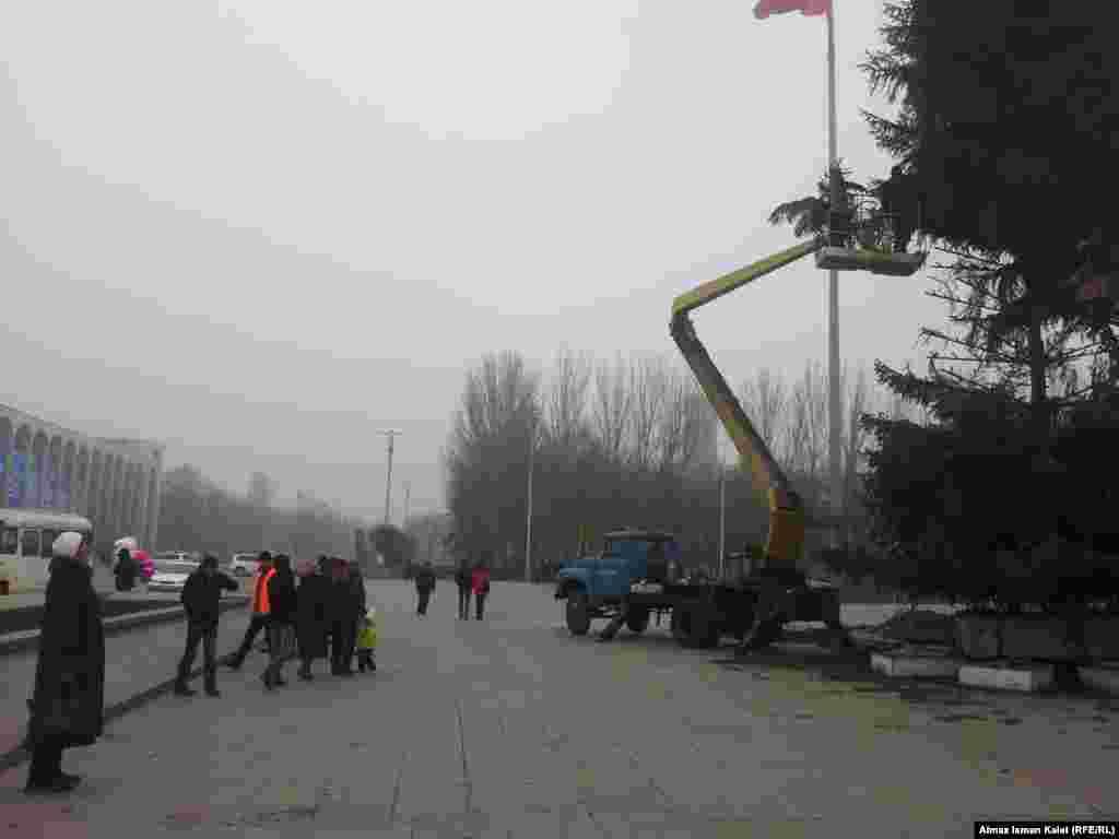 Работы продолжались несмотря на мороз и туман