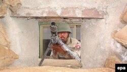مقامات پاکستانی افزودند که ۲۰ نفر از سربازان ارتش پاکستان نیز جان خود را در این دو عملیات از دست داده اند.
