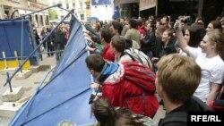 Prosvjedi u Varšavskoj, Fotografije uz tekst: zoomzg