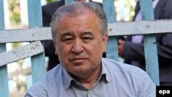 Лидер оппозиционной парламентской фракции Жогорку Кенеша «Ата Мекен» Омурбек Текебаев.