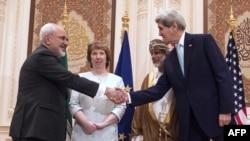 دیدار وزیران امور خارجه ایران و آمریکا در دور قبلی گفتوگوها در عمان