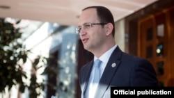 Шефот на албанската дипломатија, Дитмир Бушати