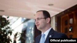 Aлбанскиот министер за надворешни работи Дитмир Бушати.
