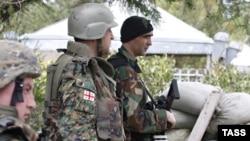 Грузинські солдати на кордоні з Південною Осетією