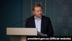 Колишній президент України Леонід Кучма, якого знову призначено головою української делегації на переговорах у Мінську, під час брифінгу в Києві, 3 червня 2019 року