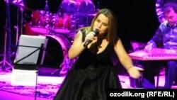 Uzbekistan - national singer of Uzbekistan Yulduz Usmonova, where?, 26Mar2011